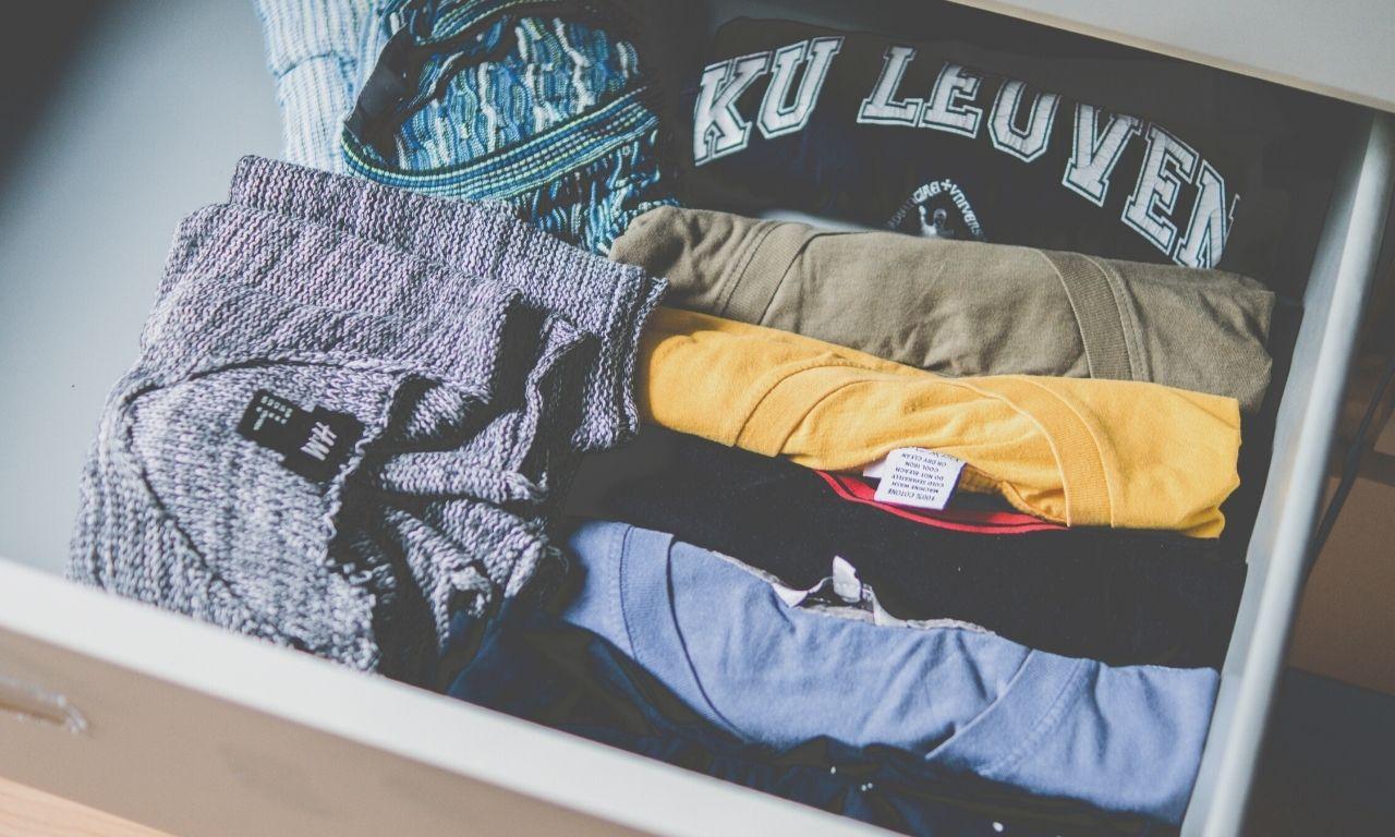 methodes om je kleren op te ruimen- gewoon opgeruimd